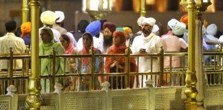 Lack of social distancing measures as people queue up at Golden Temple. | Photo: Praveen Jain | ThePrint