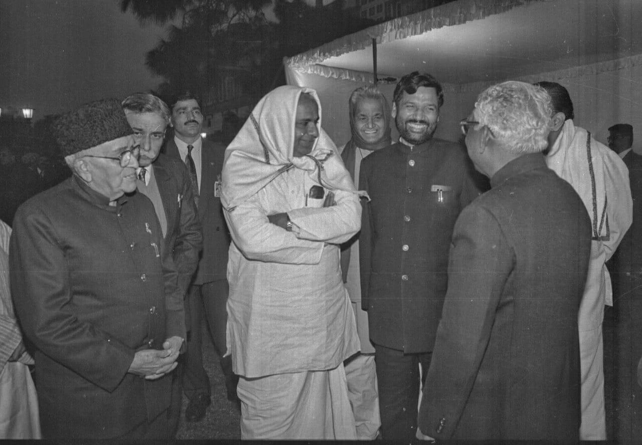 Ram Vilas Paswan with former PM H. D. Deve Gowda   Photo: Praveen Jain