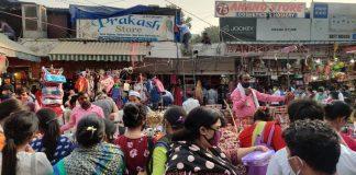 Shoppers at Delhi's Sarojini Nagar market | Representational image | Bismee Taskin | ThePrint