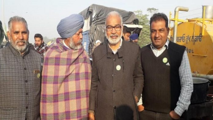 Amarjit Singh (second from right) who allegedly committed suicide at Tikri border in Delhi | By special arrangement