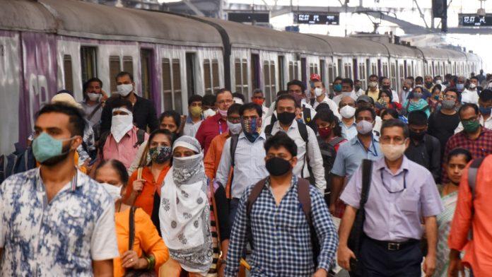 Crowds returned as local trains in Mumbai resumed for the general public, at Chhatrapati Shivaji Maharaj Terminal, on 1 February. | Photo: ANI